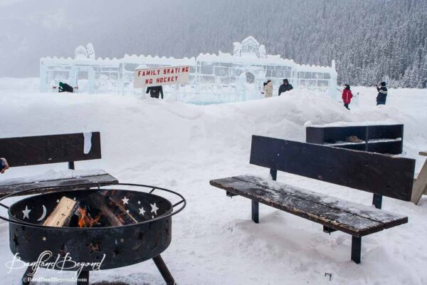 outdoor-fire-pit-skating-rink-chateau-lake-louise-hotel