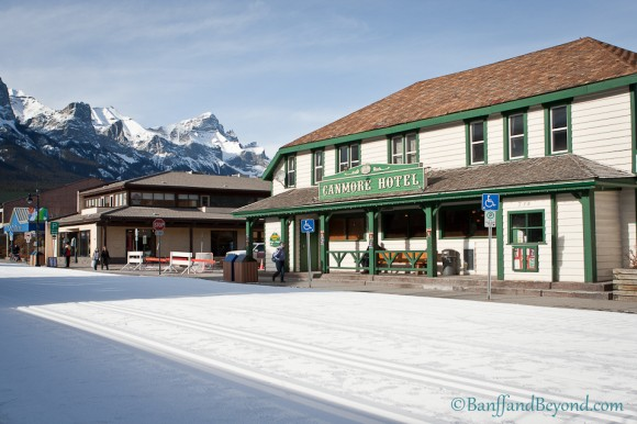 canmore-hotel-main-street-snow-cross-country-skiing-winter-carnival-mountains