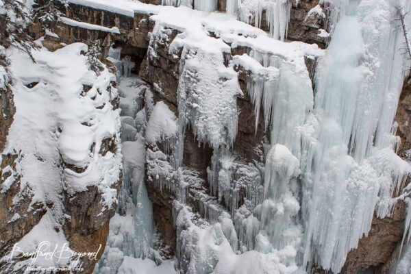 frozen-sheets-ice-johnstcon-canyon-winter-trails-banff-national-park