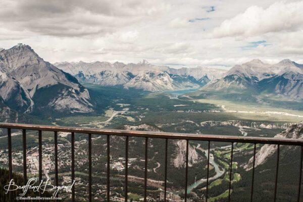 banff-sulphur-mountain-gondola-view-tourist-attraction-november