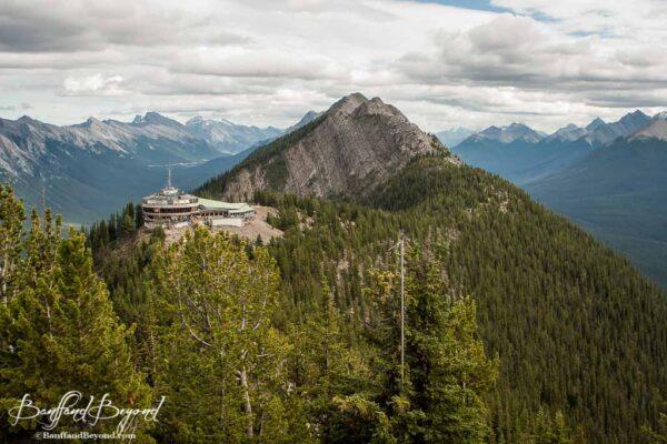 banff-sulphur-mountain-gondola-terminal-starbucks-restaurant-tourist-attraction-views