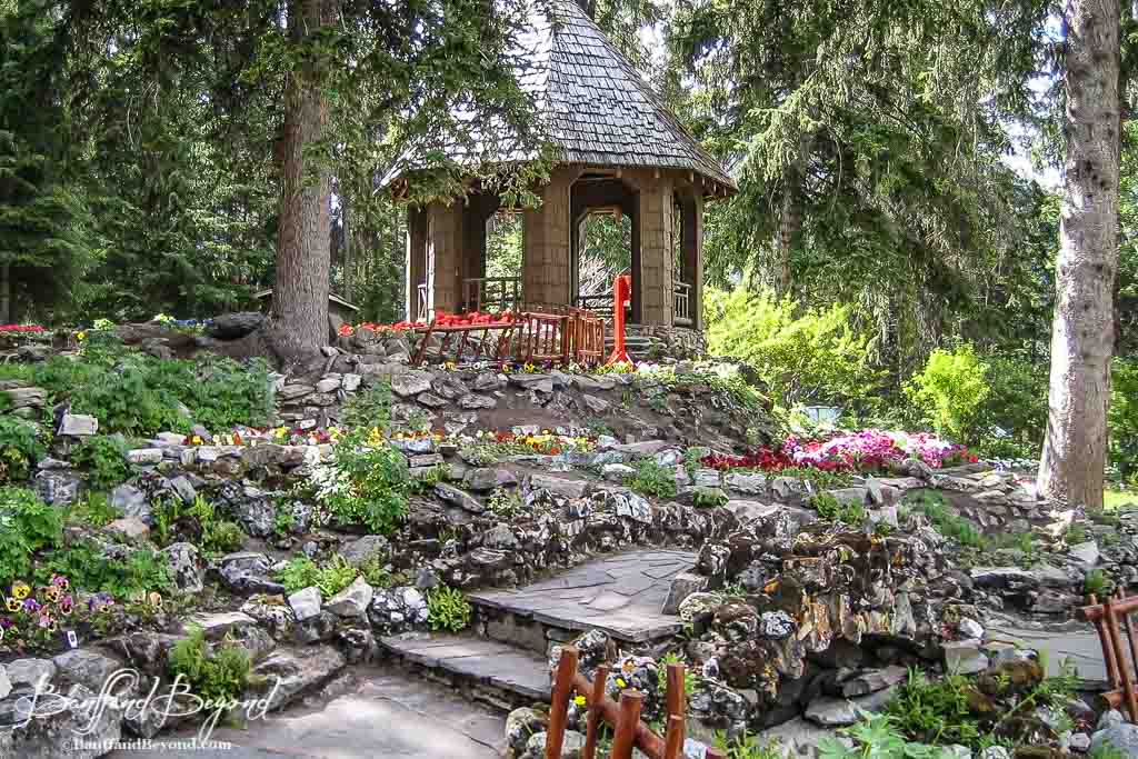 Cascade gardens off the beaten path in banff banffandbeyond for Flowers and gardens pictures