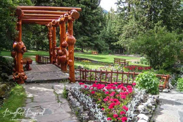 cascade-gardens-easy-walk-casual-stroll-quiet-oasis-banff-townsite-tourist-attraction