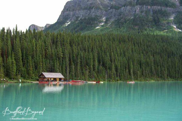 canoe rental boathouse on lake louise