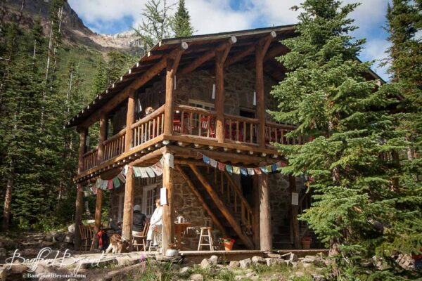 plain of six glacier tea house in lake louise