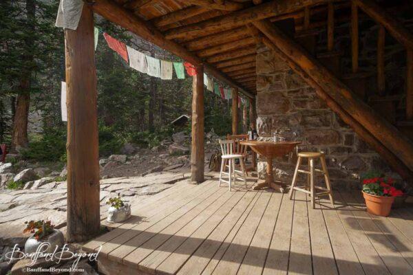 plain of six glaciers tea house lower porch area