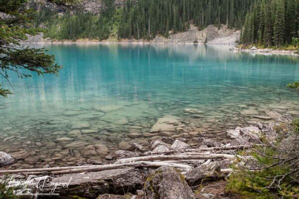 deep blue or turquoise color of moraine lake