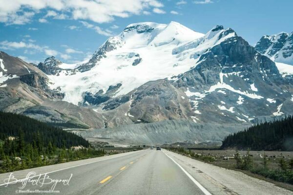 glacier and mountain view on icefields parkway