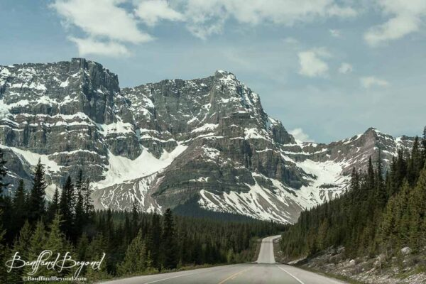 mountain along the icefields parkway drive