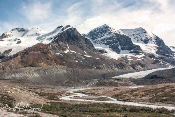 view-columbia-icefields-parkway-athabasca-glacier-jasper-national-park-tourist-attraction