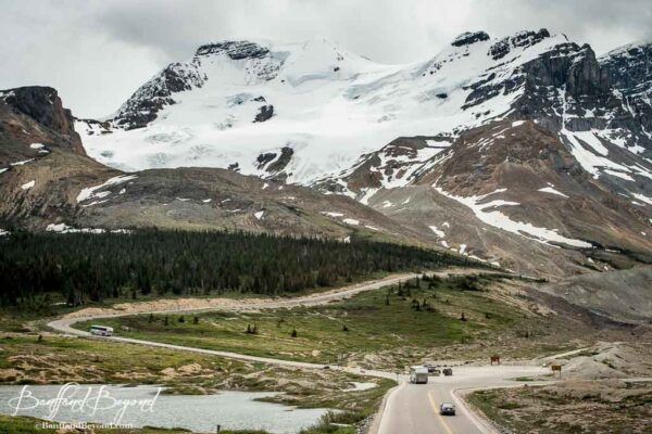 beautiful-view-columbia-icefields-glacier-parkway-road-scenic-drive-jasper-rocky-mountains