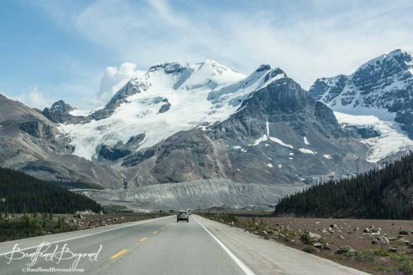 glacier and mountain views on the icefield parkway