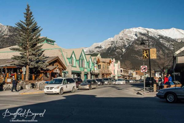 downtown-canmore-public-transportation-roam-bus-route-main-street