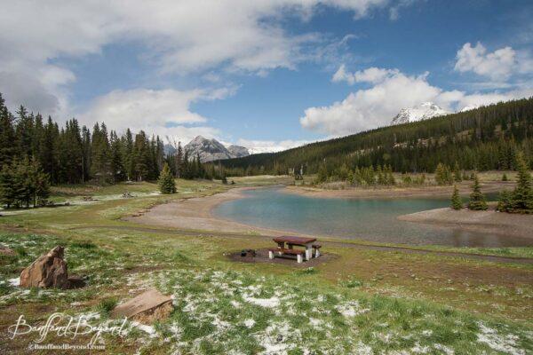cascade ponds picnic area with mountain views