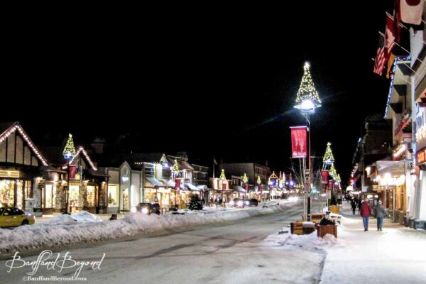 banff-avenue-downtown-shops-cafes-restaurants-tourist-souvenirs