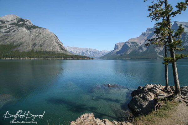 turquoise blue water of lake minnewanka