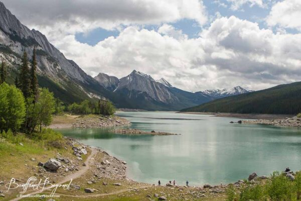 medicine-lake-vanishing-tourist-stop-hiking-trails-scenic-drive-jasper-national-park