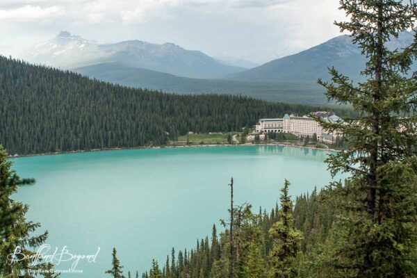 lake-louise-fairview-lookout-trail-wooden-platform-turquoise-water