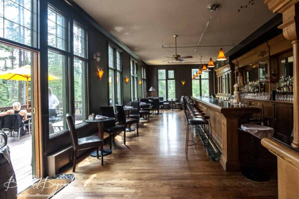historic-wooden-bar-emerald-lake-lodge-on-tap-draft-micro-brewery-beer
