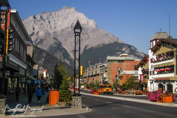 hotels and shops in banff downtown core
