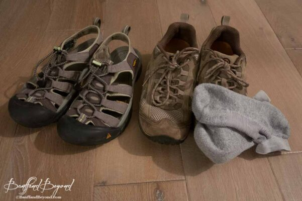 hiking-shoes-sandals-cushioned-socks-rocky-mountain-footwear