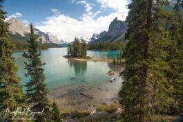 Maligne Lake Boat Tours And Spirit Island