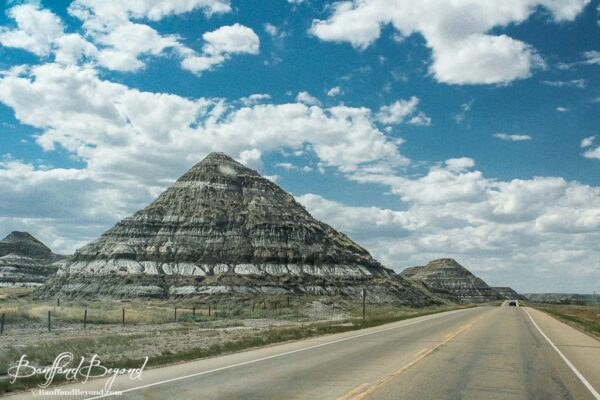 unique-rock-sediment-layers-drumheller-dinosaur-trail-self-driving-tour-route