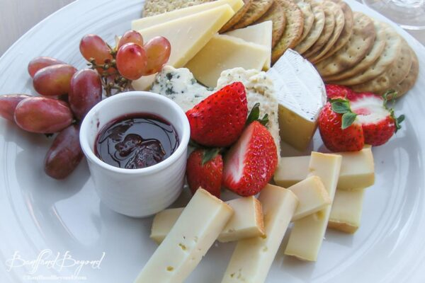 canadian-artisan-cheese-plate-and-crackers