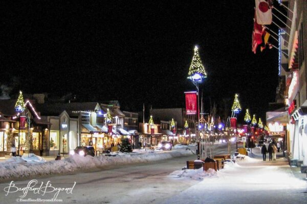 banff-avenue-christmas-decorations-holiday-season-snow-lights-wreaths-festive