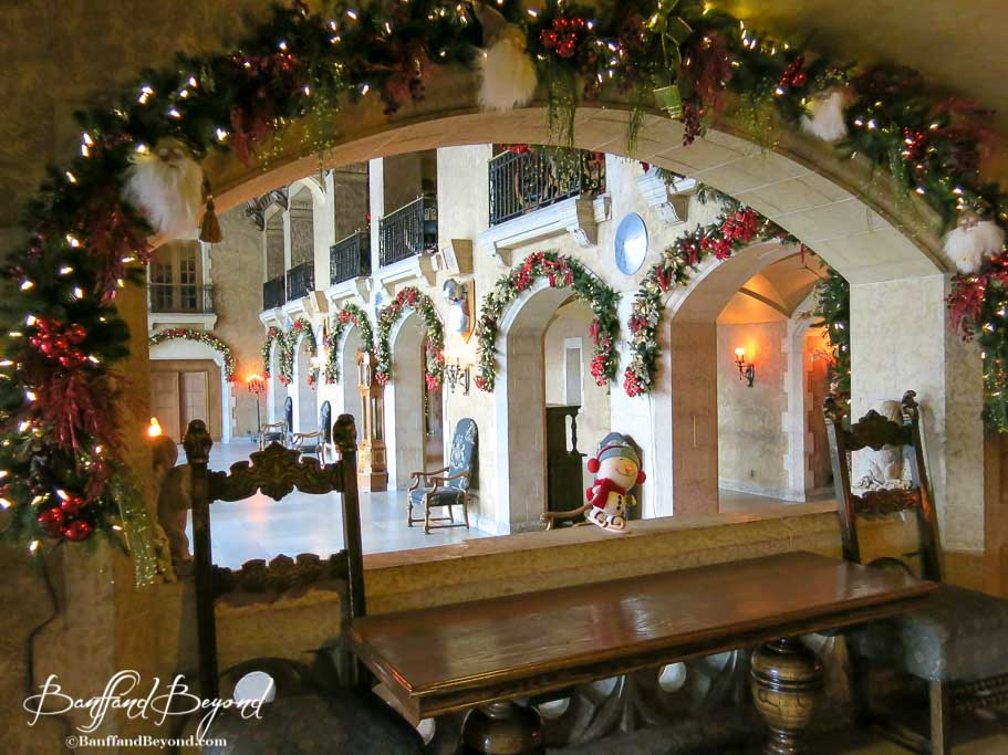 banff springs hotel beutiful christmas decroations - Hotel Christmas Decorations