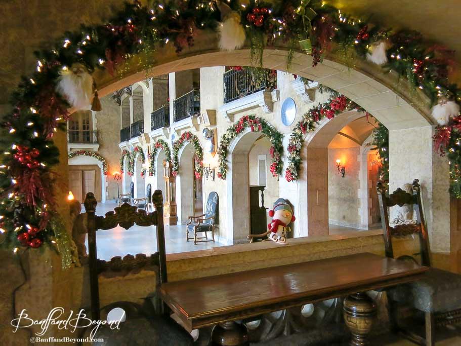 banff-springs-hotel-beutiful-christmas-decroations
