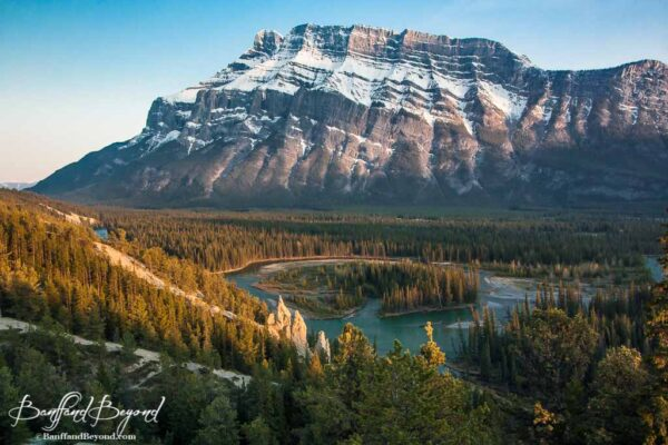 hoodoos-trail-banff-easy-walk-tunnel-mountain-scenery